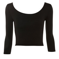 Black 3/4 Sleeve Scoop Neck Crop Top