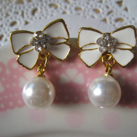 White Ribbon Bow Earring by Bitsofbling on Etsy
