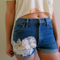 $34.00 Shabby Chic Shorts by inzoopsia on Etsy