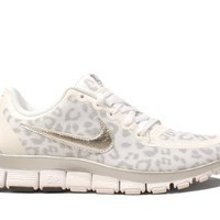 Amazon.com: Nike Wmns Free 5.0 V4 Leopard - White Wolf Grey (511281-100): Shoes