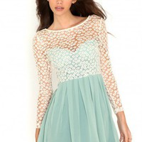 Missguided - Revetta Daisy Lace Chiffon Skater Dress In Mint