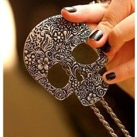 Amazon.com: Fashion vintage big skull Pendant With Chain: Home & Kitchen