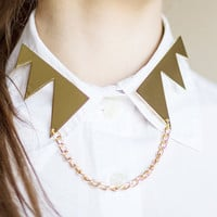 Zigzag collars