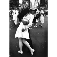 Amazon.com: (24x36) Kissing On VJ Day (War's End Kiss) Art Print Poster: Home & Kitchen