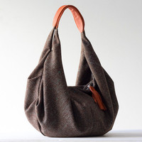 Kallia in brown wool and Orange leather by Milloo
