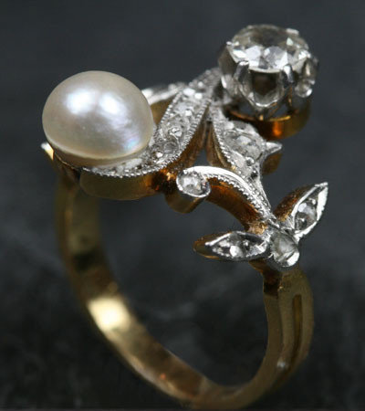 Art Nouveau Diamond &amp; Pearl &#x27;toi et moi&#x27; Ring by Ruby Gray&#x27;s | Ruby Gray&#x27;s Antique &amp; Vintage Rings