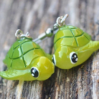 Kitshy Green Sea turtle earrings by MeredithsLittleShop on Etsy