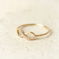 Infinity Ring in gold