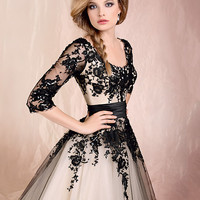 Ball Gown Scoop Neckline Long Sleeves With lace WeddingDress