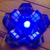 TARDIS Doctor Who Blue LED Glow Lights Hair Flower Rose Fascinator