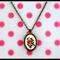 bright bouquet necklace <3