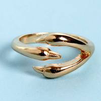 You&#x27;re Talon-ted Gold Claw Knuckle Ring