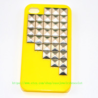 Yellow iPhone 4 ,iPhone 4S Case with sliver pyramid stud iPhone hand case cover  d-10
