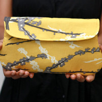 Clutch Purse - Sparrow in vintage yellow