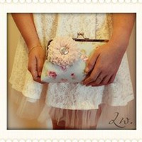 Lisa Lou Clutch {Handmade by Lw.}