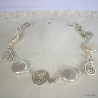 Sterling silver pearl bracelet hammered wire by JudysDesigns