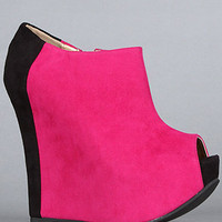 The Fran Tick Shoe in Fuchsia and Black