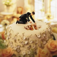 Life Is Like a Movie: 5 Whimsical Wedding Cakes