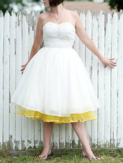 AMAZING 1950s White Wedding Dress free US by ElleJaeVintage