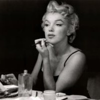 Amazon.com: (24x36) Marilyn Monroe (In the Mirror) Art Poster Print: Home &amp; Kitchen