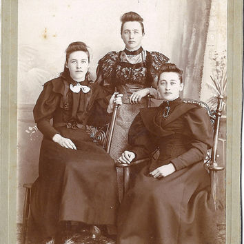 Vintage 1800's or 1900's Photograph, 3 Victorian Sisters Miss Torrence's of the West, Cabinet Card