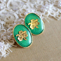 Green royal stud velvet earring Victorian shabby chic by iloniti
