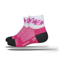 Amazon.com: DeFeet Women's Aireator Pink Passion Socks: Clothing