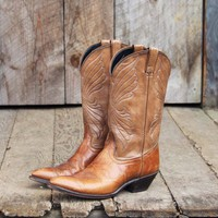Vintage Wing Stitch Cowboy Boots, Sweet Vintage Cowboy Boots