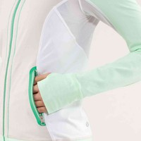 run: beach runner jacket | women&#x27;s jackets &amp; hoodies | lululemon athletica