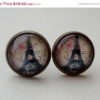 Ivory Eiffel Tower Paris Earrings by WearitoutJewelz