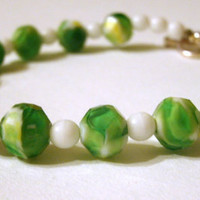 GORGEOUS in GREEN Springtime bracelet