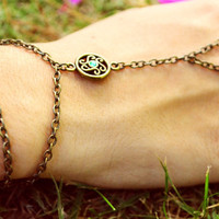Slave Bracelet Hand Bracelet Piece Ring Gypsy Hipster Hand Piece Jewelry Bronze Chain Bohemian One Emerald Crystal Bead Charm Two Strand