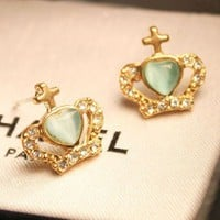 Vintage Crown Stud Earrings at Online Jewelry Store Gofavor