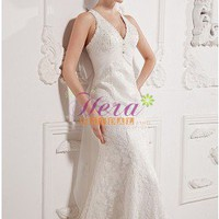Alluring Halter Deep V-neckline Ivory Lace Wedding Dress With Hand-made Flowers