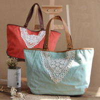 Fresh Lace Shoulder bag