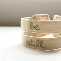 Double strand embroidered cuff in mustard