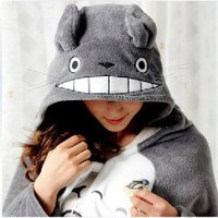 Totoro Cosplay Cloak Pro Version + Totoro 4.5cm Cute Min Pin
