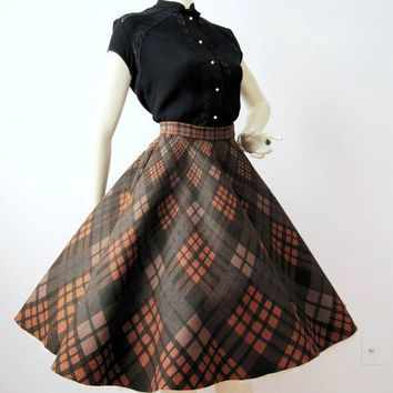 50s Circle Skirt Vintage Plaid Felt Full Skirt S M by voguevintage