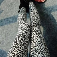 ECOSCO Women Popular Full Leopard Print Animal Pattern Ankle Length Footless Legging Tregging Tight Pant One Size Black+White