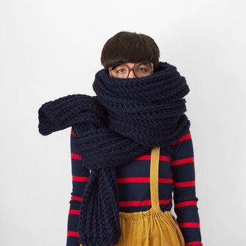 The Snow Leopard in Navy by Yokoo on Etsy