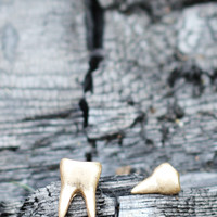 Tooth & Fang Earrings [67 HE3958] - $9.99 : Spotted Moth, Chic and sweet clothing and accessories for women