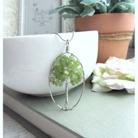 A Tree Of Life, Organic Nature Green Peridot Beaded Gemstone Rhodium Silver Plated Necklace. Gift for Mom Daughter. Unique Necklace.