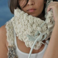 exaggerated chain cowl handspun knit and crocheted by laigrai