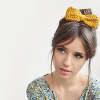 Yellow hair bow / Hand Crocheted