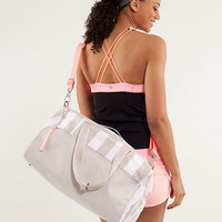 yoga on the run duffel *canvas | women's bags | lululemon athletica