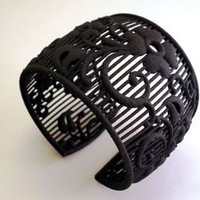 BLACK WIDOW Armband | materialicious