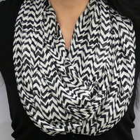 Chevron Infinity Scarf. Black and White Scarf. Circle Scarf. Eternity Scarf. Women Accessories