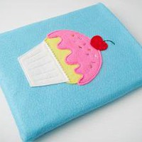 Cupcake iPad Sleeve by yummypocket on Etsy