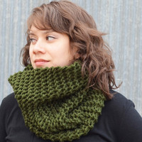 Woodland Green Oversized Cowl by trishafern on Etsy
