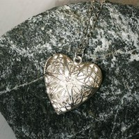 Heart Locket Necklace (2 different styles to choose)